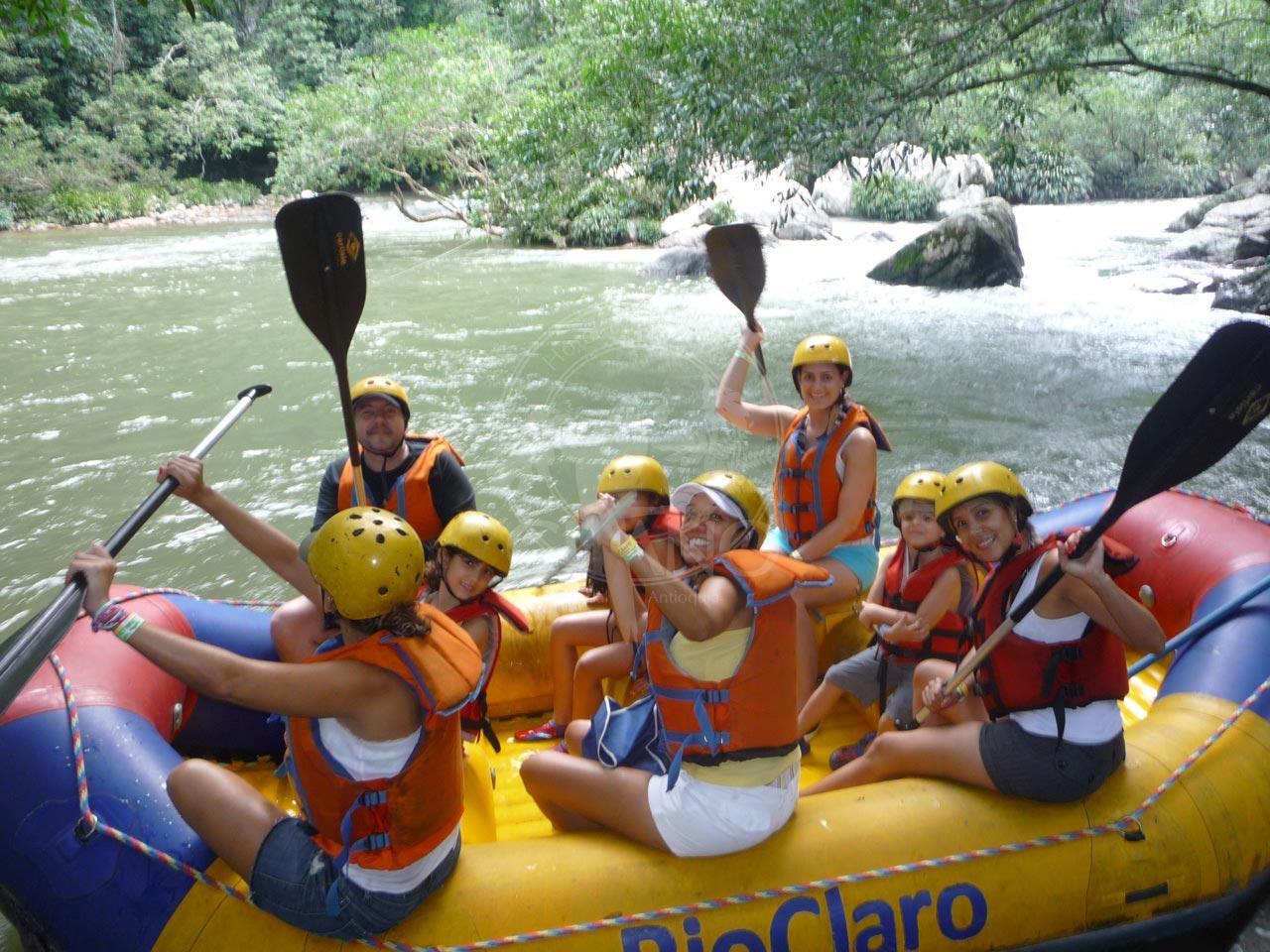 Animate a hacer rafting en Rio claro - Hotel & Restaurante Parador del Gitano - Nápoles - Doradal - Rio claro