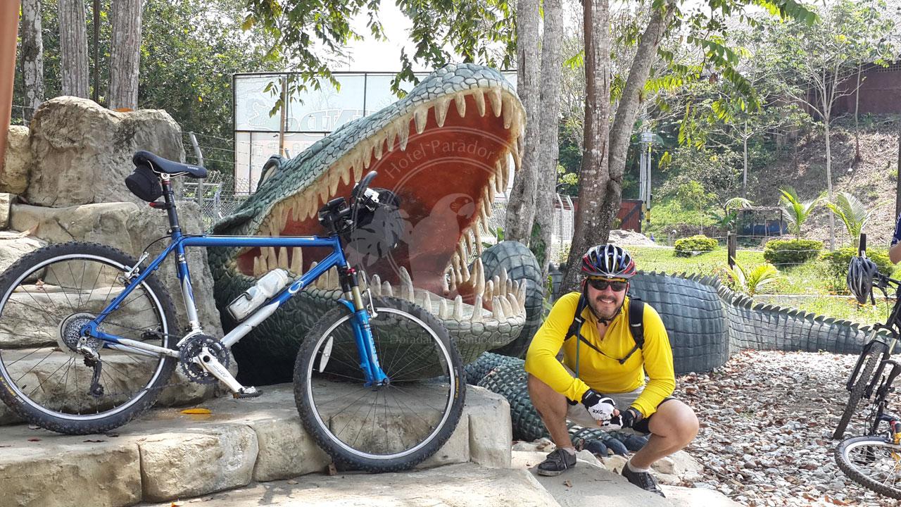 Aventura salvaje en bici - Parque Temático Hacienda Nápoles - Hotel & Restaurante Parador del Gitano - Nápoles - Doradal - Rio claro