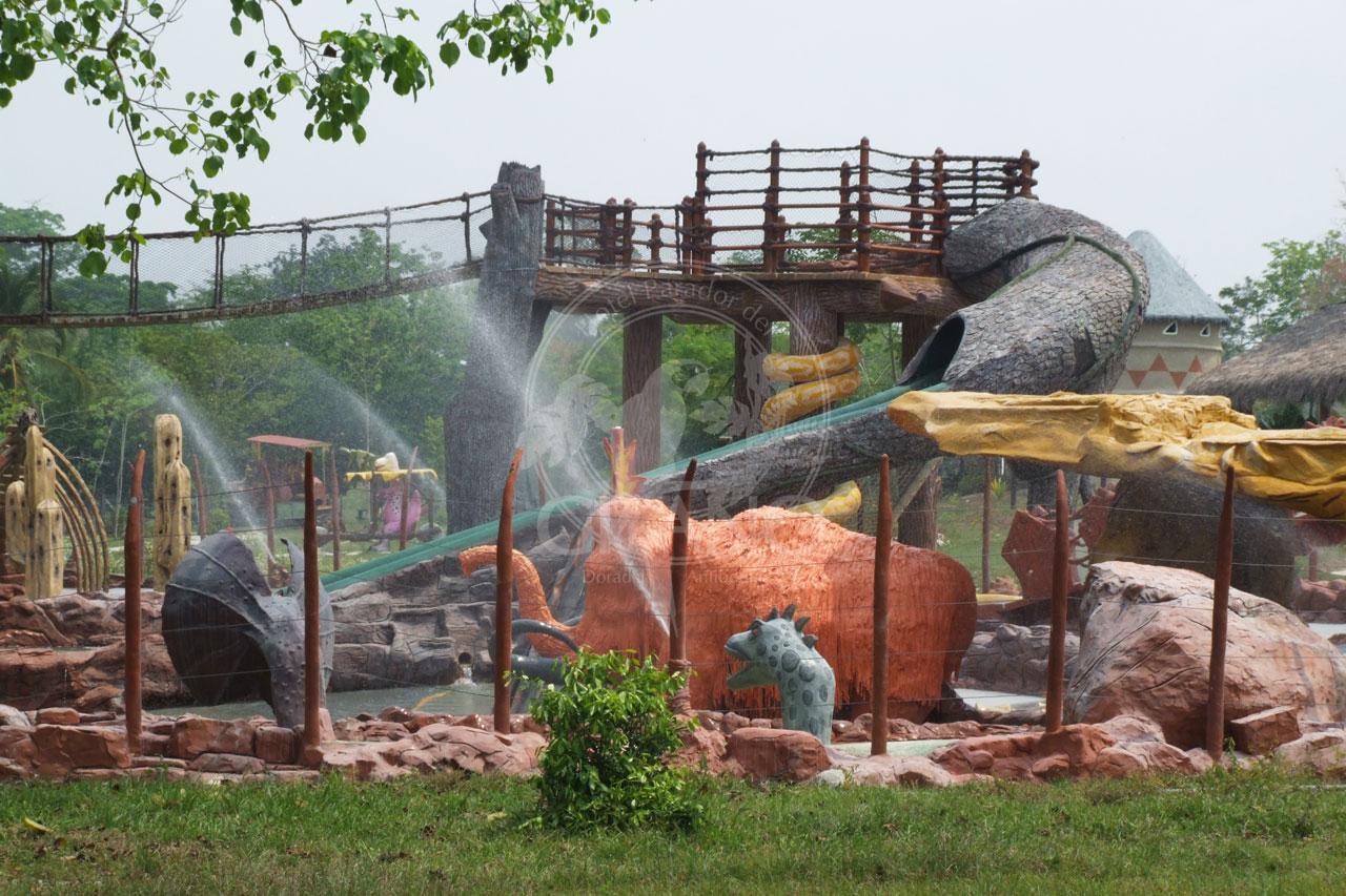 Refrescate y diviertete en Acuasaurus - Parque Temático Hacienda Nápoles - Hotel & Restaurante Parador del Gitano - Nápoles - Doradal - Rio claro
