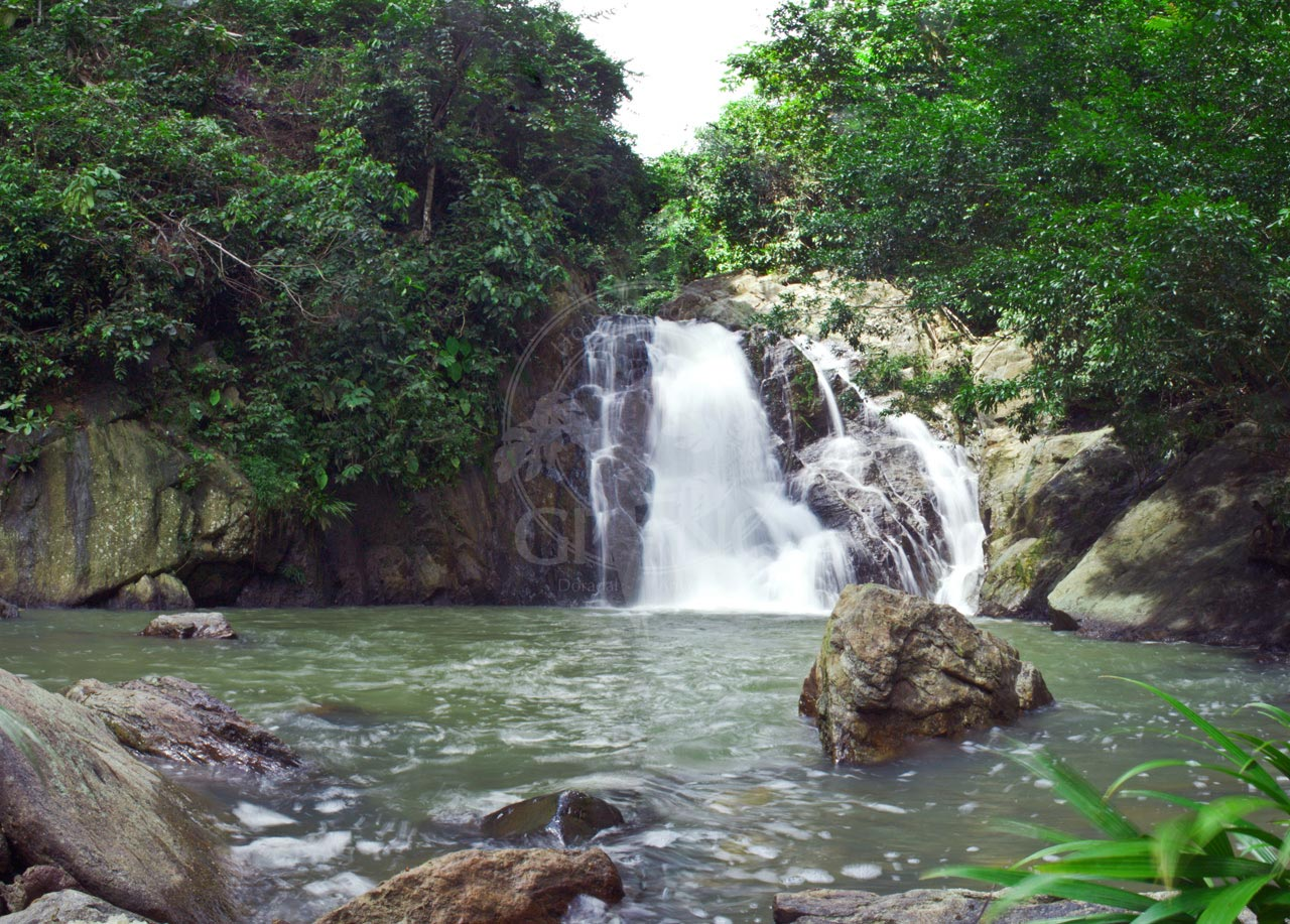 Salto sobre el Rio San Juan - Hotel & Restaurante Parador del Gitano - Nápoles - Doradal - Rioclaro