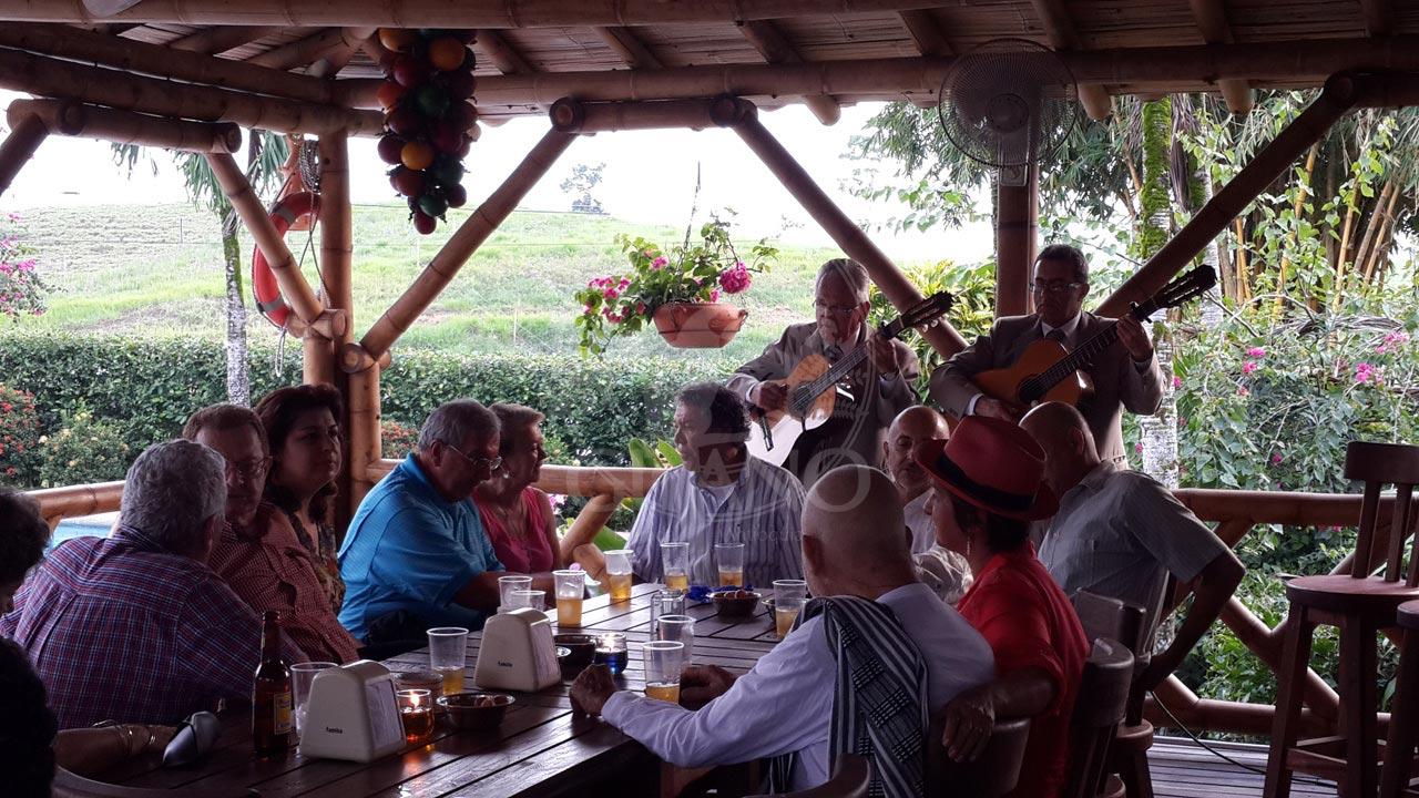 Un espacio reservado para las mejores celebraciones - Hotel & Restaurante Parador del Gitano - Nápoles - Doradal - Rio claro